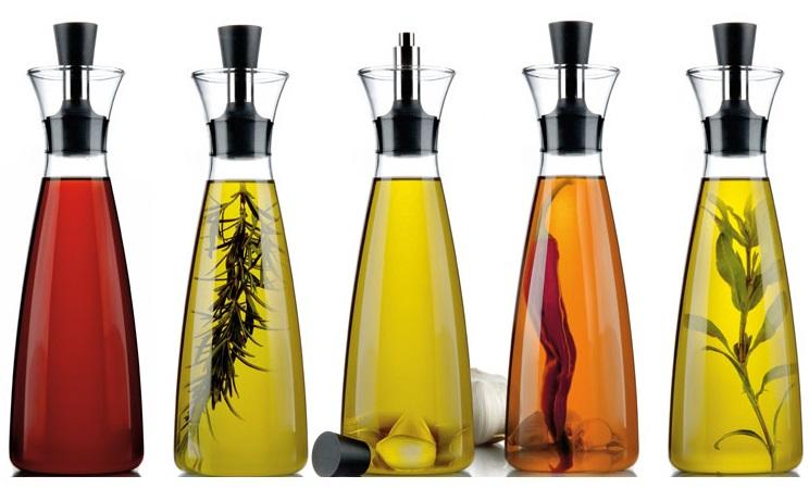 Tilsett krydderurter i Eva Solo oljeflaske